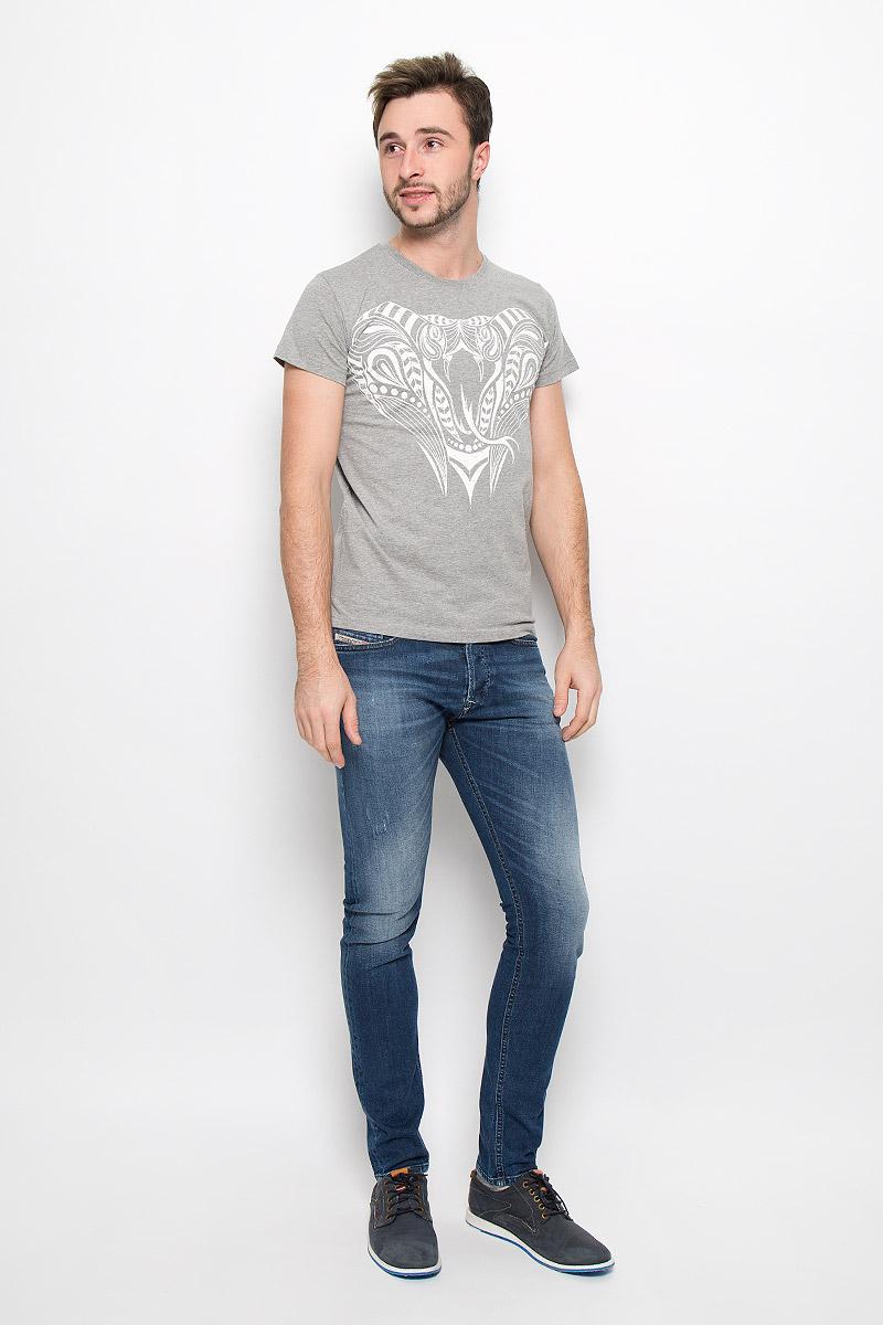 ФутболкаFS-001_КобраМужская футболка Frutto Rosso Кобра выполненная из натурального хлопка дополнит ваш образ. Модель с круглым вырезом горловины и короткими рукавами спереди оформлена оригинальны изображением кобры.