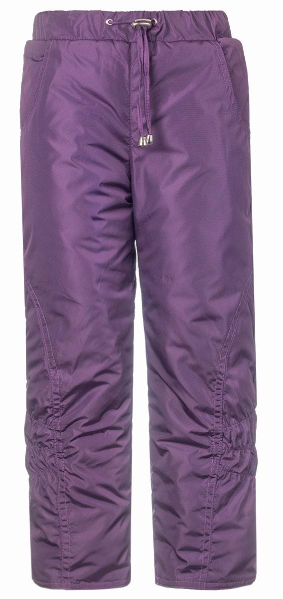 Брюки утепленныеБР145П-12Утепленные детские брюки выполнены из полиэстера. В качестве утеплителя используется синтепон. Модель на талии имеет широкую эластичную резинку и утягивающий шнурок. Спереди брюки оснащены двумя втачными карманами. Снизу брючины дополнены внутренними эластичными манжетами, для исключения попадания снега в обувь.