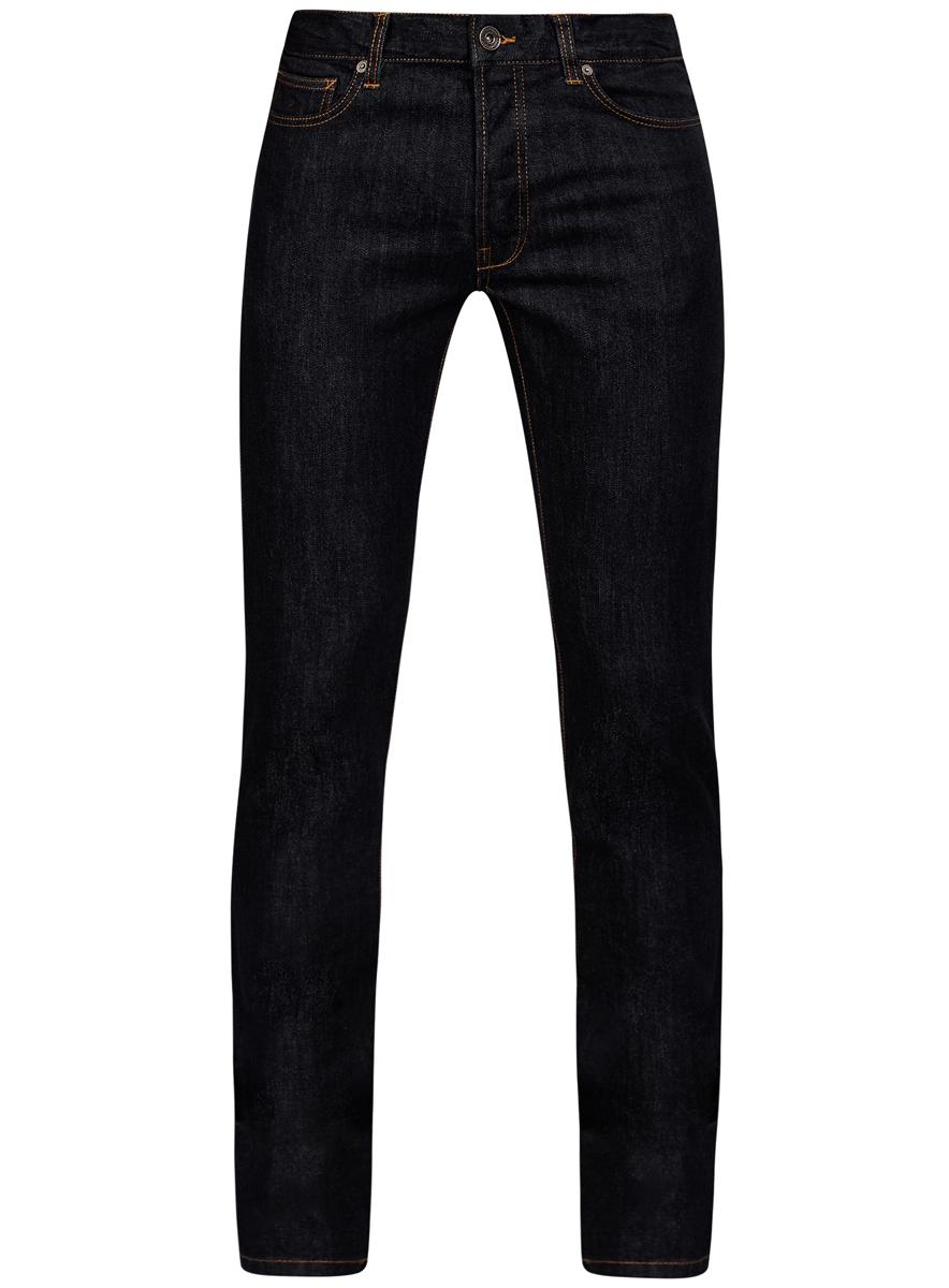 6L120119M/46141/7800WСтильные мужские джинсы oodji Lab изготовлены из хлопка с добавлением полиуретана. Джинсы-слим средней посадки застегиваются на пуговицы. На поясе имеются шлевки для ремня. Спереди модель дополнена двумя втачными карманами и одним небольшим накладным кармашком, а сзади - двумя накладными карманами. Модель оформлена контрастной прострочкой.