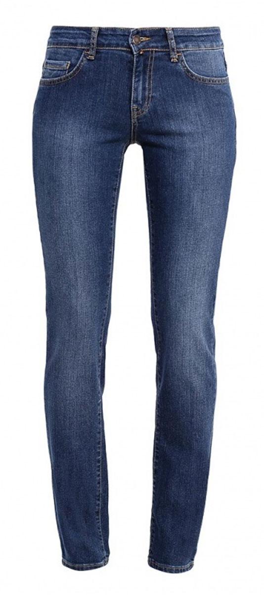 265047_19202_Blue denim Paris str., w.darkЖенские джинсы F5 выполнены из эластичного хлопка. Модель застегивается на пуговицу в талии и ширинку на молнии. Спереди джинсы дополнены двумя втачными карманами и одним секретным кармашком, сзади двумя накладными карманами.