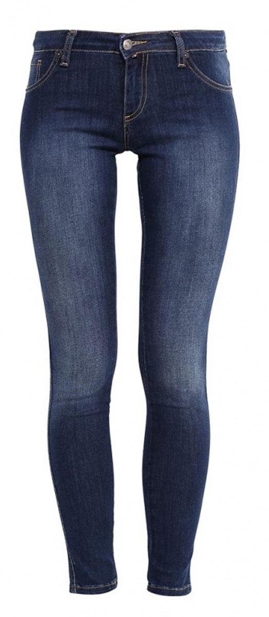 265044_19462_Blue denim Tressa str., w.mediumЖенские джинсы F5 выполнены из эластичного хлопка с добавлением полиэстера. Модель-скинни застегивается на пуговицу в талии и ширинку на молнии. Спереди джинсы оформлены имитацией двух втачных карманов, сзади дополнены двумя накладными карманами.