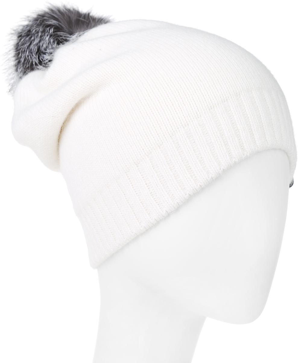 MWH5300Теплая женская шапка Marhatter отлично дополнит ваш образ в холодную погоду. Сочетание из высококачественных материалов максимально сохраняет тепло и обеспечивает удобную посадку, невероятную легкость и мягкость. Удлиненная шапка выполнена в лаконичном однотонном стиле и дополнена на макушке пушистым помпоном из натурального меха чернобурки. Спереди модель дополнена небольшой нашивкой с названием бренда. Незаменимая вещь на прохладную погоду. Модель составит идеальный комплект с модной верхней одеждой, в ней вам будет уютно и тепло. Уважаемые клиенты! Размер, доступный для заказа, является обхватом головы.