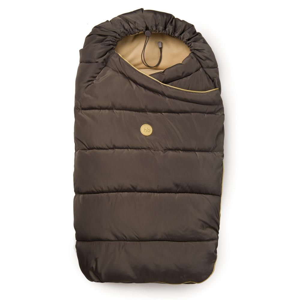 Конверт для прогулок/в коляску40000 BeigeУтепленный конверт для новорожденных Happy Baby Muffy прекрасно подходит для прогулок в коляске. Изделие выполнено из синтетического материала. Конверт просторный, легкий, сохраняет тепло и предотвращает проникновение ветра. В качестве утеплителя используется синтепух - он теплый, легкий, легко восстанавливается в исходное состояние при смятии и экологически чистый. Застегивается модель на пуговицу, с внутренней стороны - на кнопку. Нижняя часть конверта оснащена клапаном с резинкой, застегивающимся на липучку, который надежно фиксирует конверт в закрытом виде. Сверху конверт оснащен эластичным шнурком с ограничителем, благодаря которому можно регулировать величину капюшона. Модель легко крепится пятиточечными ремнями безопасности. Конверт трансформируется в одеяло.