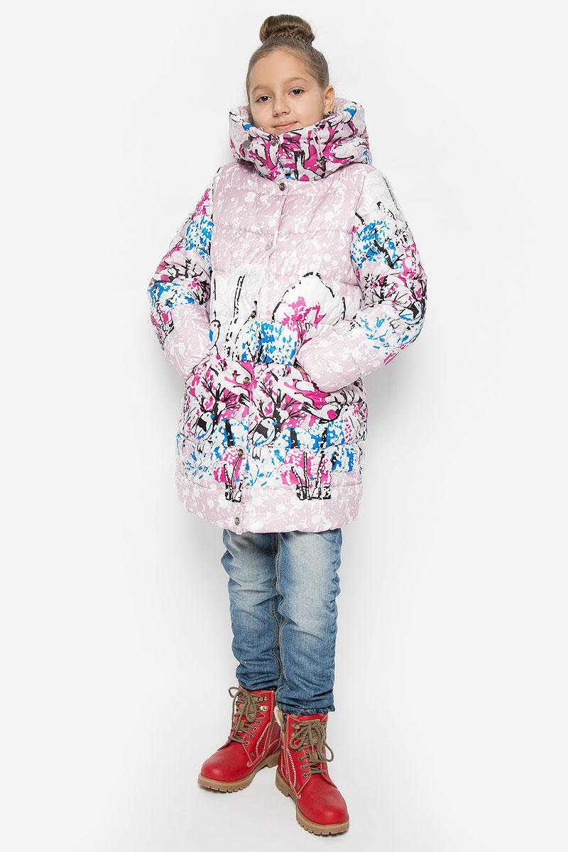 Куртка64348_BOG_вар.1Куртка для девочки Boom!, изготовленная из полиэстера, станет ярким и стильным дополнением к детскому гардеробу. Материал приятный на ощупь, позволяет коже дышать, легко стирается, быстро сушится. Подкладка выполнена из полиэстера с добавлением вискозы с флисовыми вставками. В качестве утеплителя используется синтепон. Модель с капюшоном и длинными рукавами застегивается на пластиковую застежку-молнию и дополнительно имеет внешнюю ветрозащитную планку на кнопках. Капюшон не отстегивается регулируется эластичной резинкой со стопперами, на воротнике застегивается на кнопки. По бокам расположены два прорезных кармана на кнопках. Рукава дополнены трикотажными манжетами. Талия модели регулируется эластичной резинкой со стопперами. Красивый цвет, модный силуэт обеспечивают куртке прекрасный внешний вид! Теплая, удобная и практичная куртка идеально подойдет юной моднице для прогулок!