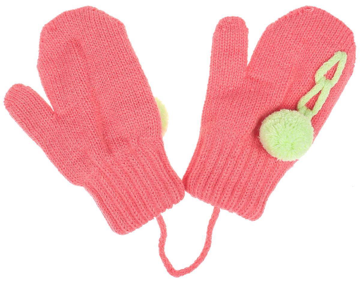 Варежки детскиеITAKA-22Детские варежки Margot Bis Itaka, выполненные из высококачественного акрила с добавлением теплой шерсти, согреют руки в прохладное время года. Варежки дополнены широкими трикотажными манжетами, не стягивающими запястья и надежно фиксирующими варежки на руках ребенка. А также чтобы варежки не потерялись, изделие дополнено текстильным шнурком. Модель оформлена небольшим помпоном.
