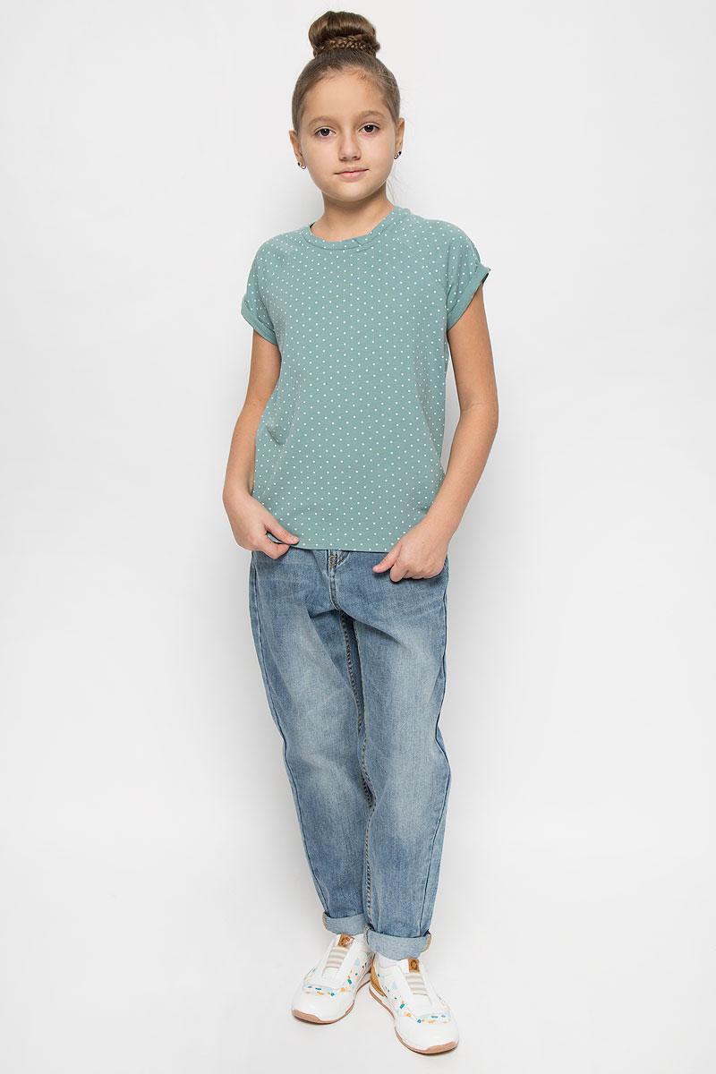 216BBGC12011304Стильная футболка для девочки Button Blue, выполненная из эластичного хлопка, станет отличным дополнением к детскому гардеробу. Модель с круглым вырезом горловины и короткими рукавами-реглан оформлена принтом в горошек. Рукава дополнены декоративными отворотами.