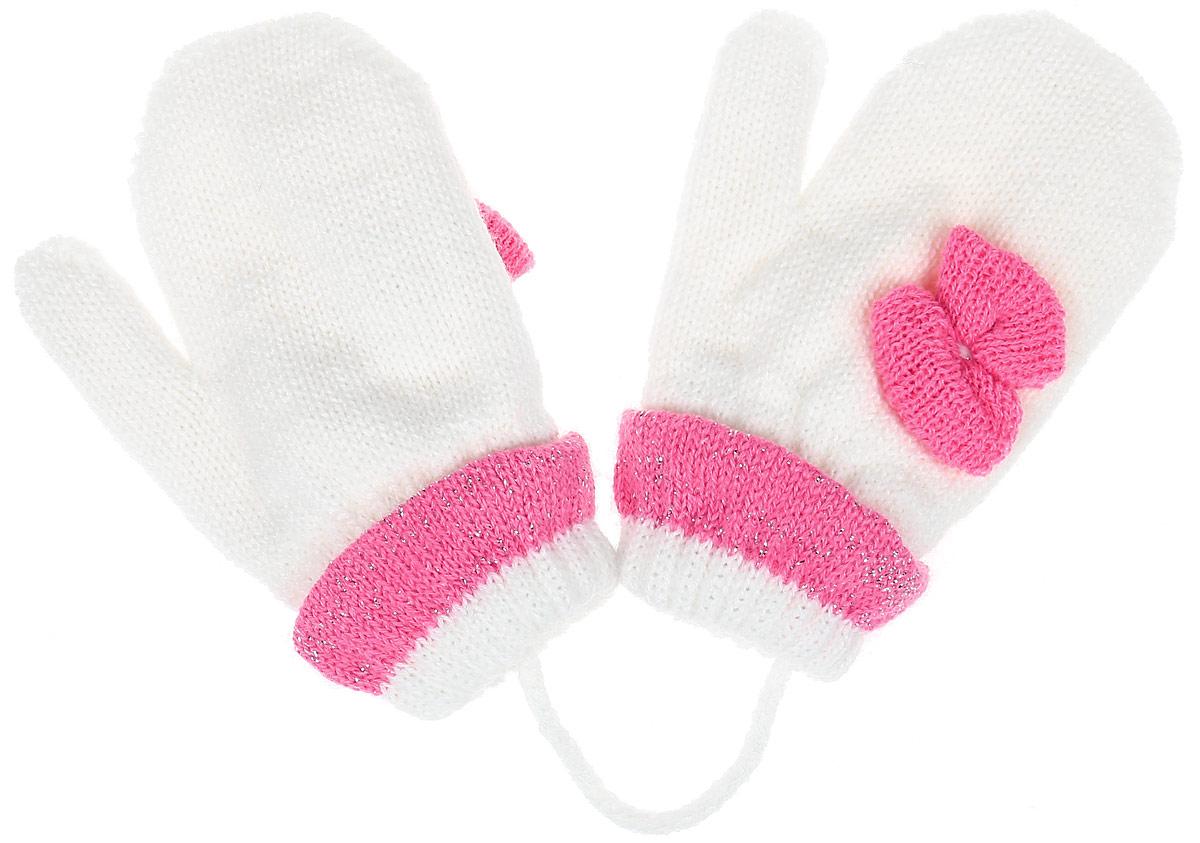 Варежки детскиеADA1-22Детские варежки Margot Bis Ada, выполненные из шерсти и акрила, согреют руки в прохладное время года. Модель дополнена широкими трикотажными манжетами с декоративными отворотами, не стягивающими запястья и надежно фиксирующими варежки на руках ребенка. А также чтобы варежки не потерялись, изделие дополнено текстильным шнурком. Модель оформлена оригинальным бантиком.