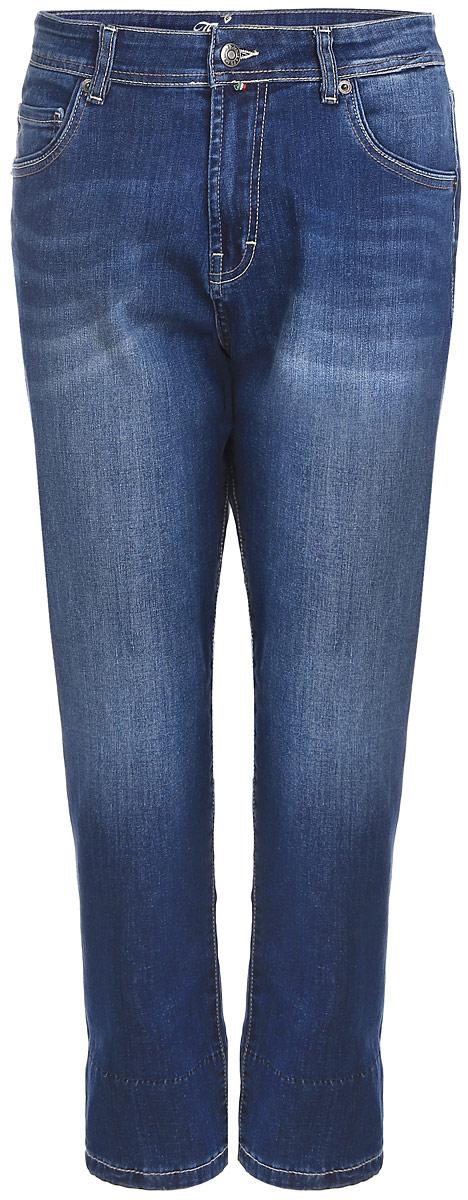 160255_19732_Blue denim BR.2 str., w.mediumСтильные женские джинсы F5 изготовлены из хлопка с добавлением спандекса. Джинсы-бойфренды с завышенной посадкой застегиваются на пуговицу в поясе и ширинку на застежке-молнии. На поясе предусмотрены шлевки для ремня. Спереди модель оформлена двумя втачными карманами и накладным кармашком, а сзади - двумя накладными карманами. Джинсы оформлены эффектом потертости, контрастной прострочкой и перманентными складками.