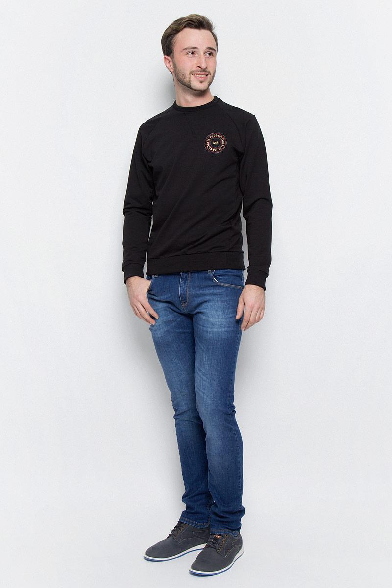 Джинсы265033_09618_Blue denim 1260 str., w.mediumСтильные джинсы классического кроя и средней посадки изготовлены из высококачественного эластичного хлопка. Застегиваются джинсы на пуговицу в поясе и ширинку на молнии, имеются шлевки для ремня. Спереди модель дополнена двумя втачными карманами и одним небольшим секретным кармашком, а сзади - двумя накладными карманами.