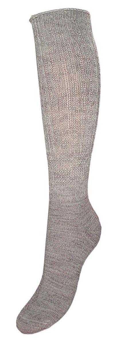 SAL15Женские теплые гольфы Гранд выполнены из высококачественного материала. Удобная резинка не стягивает ногу и не позволяет гольфам сползать вниз. Гольфы хорошо держат форму, обладают повышенной воздухопроницаемостью, после стирки не меняют цвет, имеют усиленные пятку и мысок для повышенной износостойкости. Функция отвода влаги позволяет сохранить ноги сухими. Благодаря свойствам эластана, не теряют первоначальный вид. Используя европейские стандарты на современных вязальных автоматах, компания Гранд предоставляет покупателю высокое качество изготавливаемой продукции.