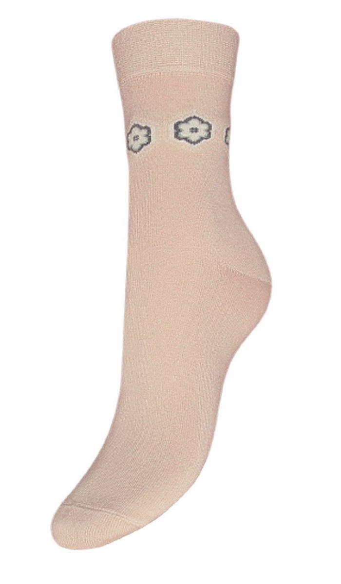 НоскиSCL49Женские носки Гранд выполнены из высококачественного хлопка, предназначены для повседневной носки. Носки с бесшовной технологией зашивки мыска (кеттельный шов), оформленные на паголенке текстурным рисунком цветочки, изготовлены по европейским стандартам из самой лучшей гребенной пряжи, имеют безупречный внешний вид, усиленные пятку и мысок для повышенной износостойкости, после стирки не меняют цвет. Функция отвода влаги позволяет сохранить ноги сухими. Благодаря свойствам эластана, не теряют первоначальный вид. Носки долгое время сохраняют форму и цвет, а так же обладают антибактериальными и терморегулирующими свойствами.