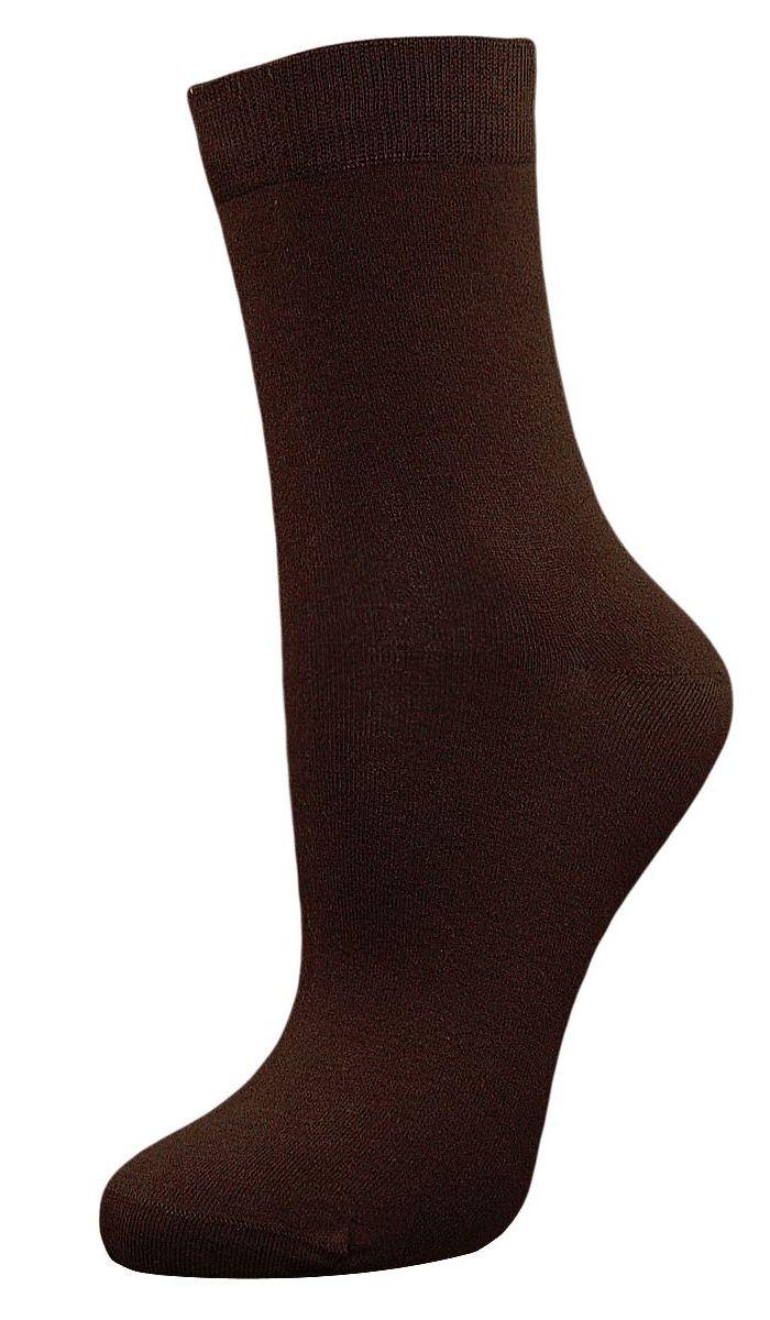 SCL27Женские однотонные носки Гранд выполнены из хлопка. Носки с бесшовной технологией зашивки мыска (кеттельный шов) изготовлены по европейским стандартам из самой лучшей гребенной пряжи, они безупречный внешний вид, усиленные пятку и мысок для повышенной износостойкости, после стирки не меняют цвет. Функция отвода влаги позволяет сохранить ноги сухими. Благодаря свойствам эластана, не теряют первоначальный вид. Используя европейские стандарты на современных вязальных автоматах, компания Гранд предоставляет покупателю высокое качество изготавливаемой продукции.