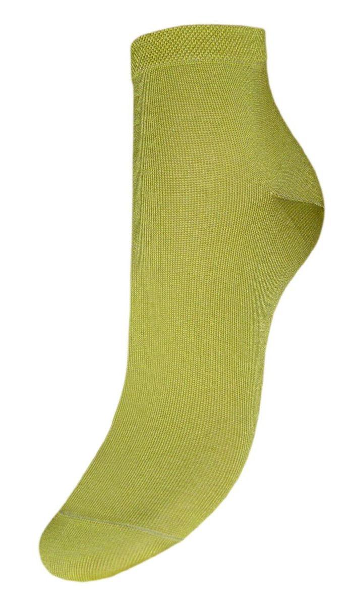 SCmr0Женские носки Гранд выполнены из мерсеризованного хлопка, для повседневной носки. Носки с бесшовной технологией зашивки мыска (кеттельный шов) изготовлены по европейским стандартам из лучшей гребенной пряжи. Они хорошо держат форму и обладают повышенной воздухопроницаемостью, имеют безупречный внешний вид, усиленные пятку и мысок для повышенной износостойкости, после стирки не меняют цвет. Носки долгое время сохраняют форму и цвет, а так же обладают антибактериальными и терморегулирующими свойствами.