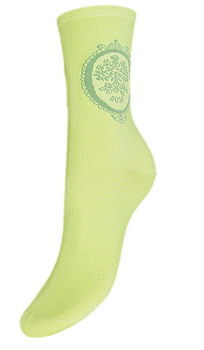 SCL82Женские носки Гранд выполнены из высококачественного хлопка. Носки изготовлены по европейским стандартам из лучшей гребенной пряжи, предназначены для повседневной носки. Носки, оформленные на паголенке принтом, имеют безупречный внешний вид, усиленные пятку и мысок для повышенной износостойкости, после стирки не меняют цвет. Используя европейские стандарты на современных вязальных автоматах, компания Гранд предоставляет покупателю высокое качество изготавливаемой продукции.