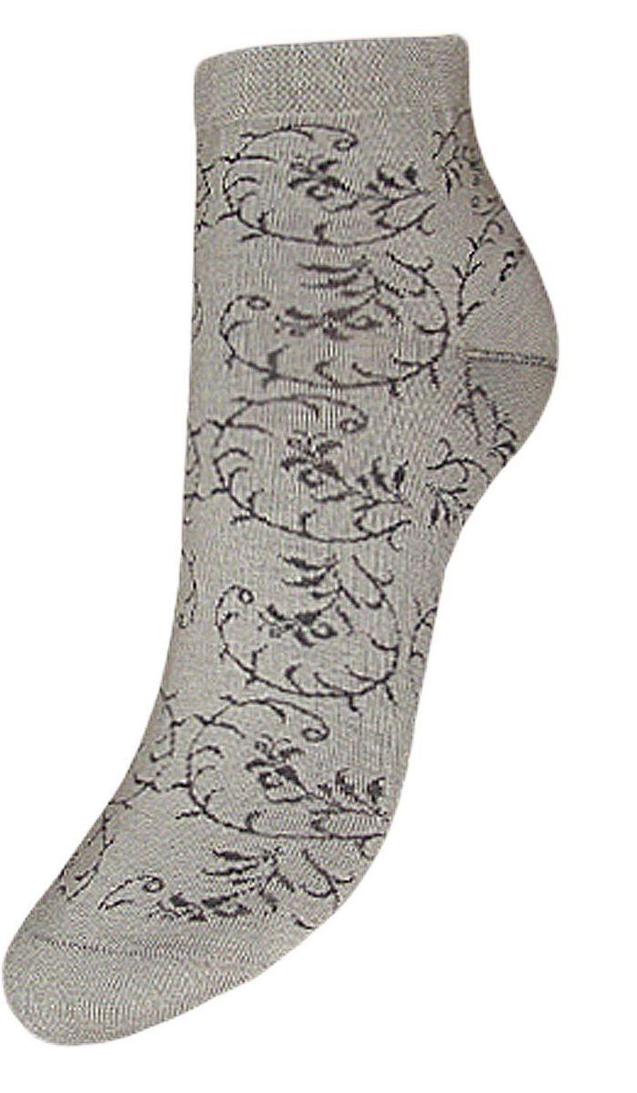 SCL63Женские носки Гранд изготовлены из высококачественного хлопка с добавлением полиамидных и эластановых волокон, они обладают антибактериальными и теплоизолирующими свойствами, хорошо впитывают влагу, не садятся и не деформируются. Изделие имеет средний паголенок и дополнено рисунком в узорные веточки по всему носку. Мягкая резинка идеально облегает ногу. Мысок и пятка усилены. В комплект входят две пары носков.