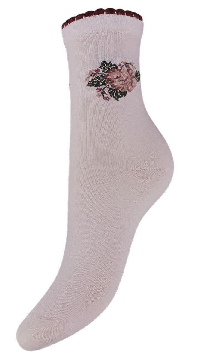 SCL77Женские носки Гранд выполнены из высококачественного хлопка. Носки, оформленные на паголенке рисунком цветок, изготовлены по европейским стандартам из самой лучшей гребенной пряжи. Они имеют безупречный внешний вид, усиленные пятку и мысок для повышенной износостойкости, после стирки не меняют цвет. Носки долгое время сохраняют форму и цвет, а так же обладают антибактериальными и терморегулирующими свойствами.