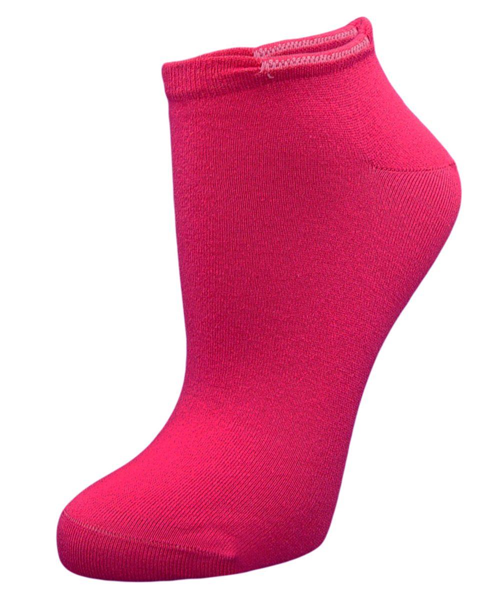 НоскиSCL4Женские укороченные носки Гранд выполнены из высококачественного хлопка, предназначены для занятий спортом. Носки с бесшовной технологией зашивки мыска (кеттельный шов) изготовлены по европейским стандартам из самой лучшей гребенной пряжи, хорошо держат форму и обладают повышенной воздухопроницаемостью, имеют усиленные пятку и мысок для повышенной износостойкости, после стирки не меняют цвет. Функция отвода влаги позволяет сохранить ноги сухими. Благодаря свойствам эластана, не теряют первоначальный вид. Носки долгое время сохраняют форму и цвет, а так же обладают антибактериальными и терморегулирующими свойствами.