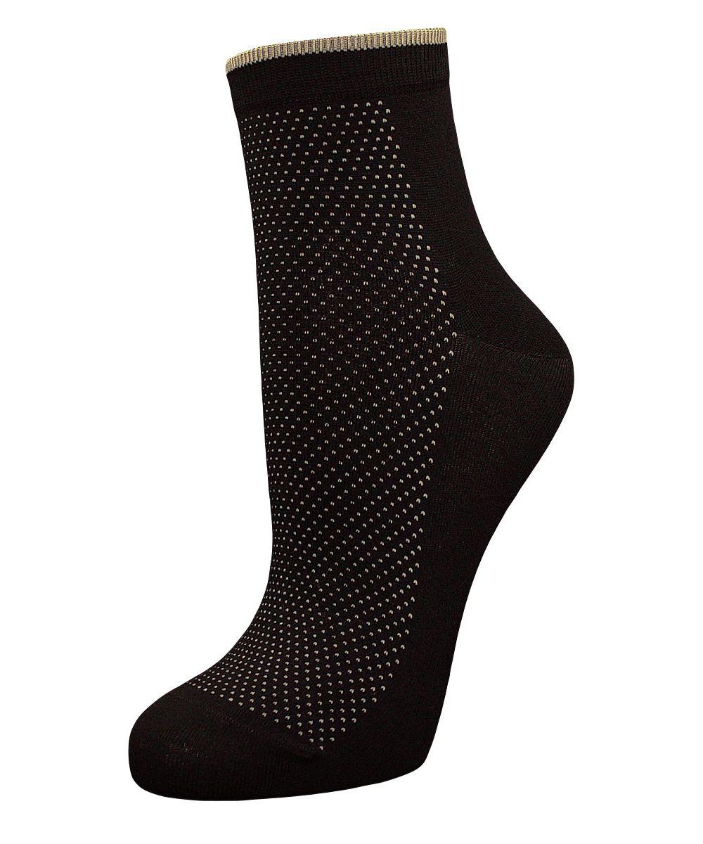 НоскиSBL100Элитные женские носки Гранд выполнены из бамбука. Основа натурального материала - высококачественный бамбук. Носки с бесшовной технологией зашивки мыска (кеттельный шов), оформленные рисунком мелкие точки, имеют легкий шелковый блеск, обладают антибактериальными свойствами, хорошо впитывают влагу, имеют среднюю высоту паголенка, не садятся и не деформируются, не линяют после стирок. Используя европейские стандарты на современных вязальных автоматах, компания Гранд предоставляет покупателю высокое качество изготавливаемой продукции.