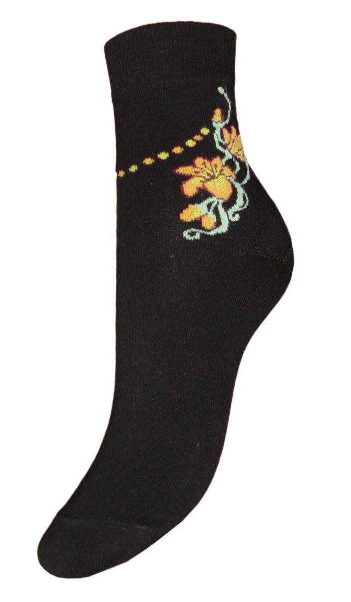 НоскиSCL32Женские носки Гранд выполнены из высококачественного хлопка, предназначены для повседневной носки. Носки, оформленные на паголенке текстурным рисунком цветок, изготовлены по европейским стандартам из самой лучшей гребенной пряжи, хорошо держат форму и обладают повышенной воздухопроницаемостью, имеют безупречный внешний вид, усиленные пятку и мысок для повышенной износостойкости, после стирки не меняют цвет. Носки долгое время сохраняют форму и цвет, а так же обладают антибактериальными и терморегулирующими свойствами.