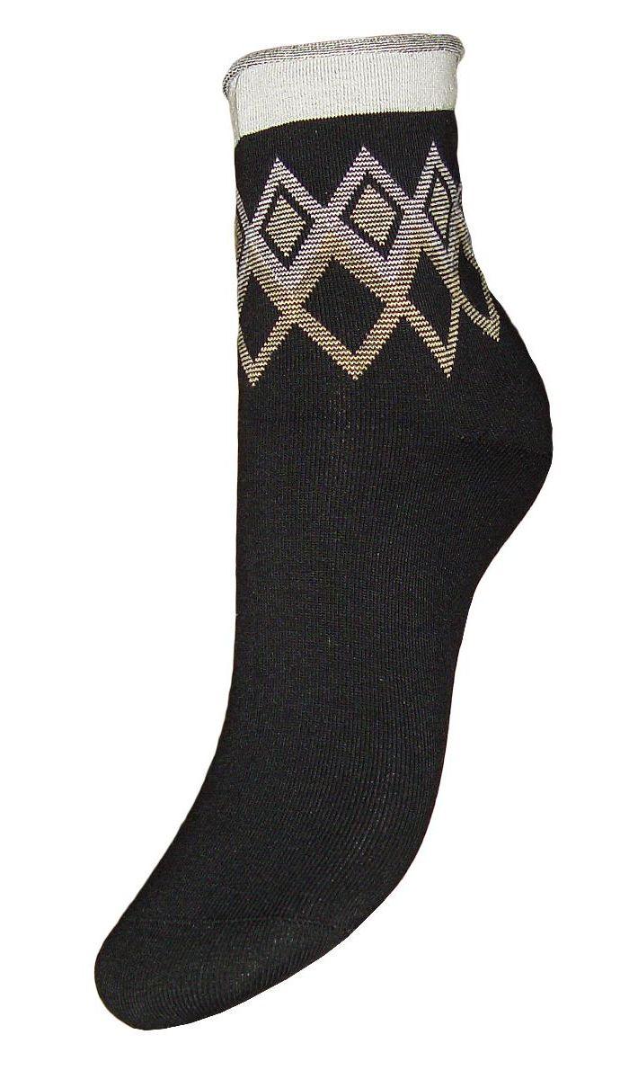 НоскиSCL65Женские носки Гранд с медицинской резинкой изготовлены по специальной технологии для людей, страдающих заболеваниями ног, а также для тех, кто думает о своем здоровье и хочет предотвратить эти заболевания. Данная модель медицинских носков мягкая, удобная, эластичная и прочная. Носки предназначены для оздоровления ног и профилактики венозной недостаточности, а также для снятия синдрома тяжести в ногах. Носки с бесшовной технологией зашивки мыска (кеттельный шов) изготовлены по европейским стандартам из лучшей гребенной пряжи, хорошо держат форму и обладают повышенной воздухопроницаемостью, имеют безупречный внешний вид, усиленные пятку и мысок для повышенной износостойкости, после стирки не меняют цвет. Компания Гранд использует только натуральные волокна для изготовления лечебных носков по всем требованиям медицинских стандартов.
