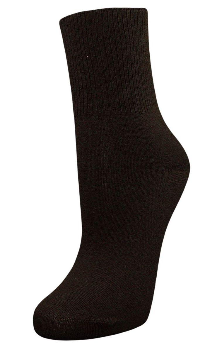 SCL67Женские носки Гранд с медицинской резинкой изготовлены по специальной технологии для людей, страдающих заболеваниями ног, а также для тех, кто думает о своем здоровье и хочет предотвратить эти заболевания. Данная модель медицинских носков мягкая, удобная, эластичная и прочная. Носки предназначены для оздоровления ног и профилактики венозной недостаточности, а также для снятия синдрома тяжести в ногах. Носки с бесшовной технологией зашивки мыска (кеттельный шов) изготовлены по европейским стандартам из лучшей гребенной пряжи, хорошо держат форму и обладают повышенной воздухопроницаемостью, имеют безупречный внешний вид, усиленные пятку и мысок для повышенной износостойкости, после стирки не меняют цвет. Компания Гранд использует только натуральные волокна для изготовления лечебных носков по всем требованиям медицинских стандартов.