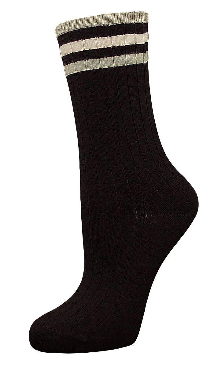НоскиSCL73Женские носки Гранд с медицинской резинкой изготовлены по специальной технологии для людей, страдающих заболеваниями ног, а также для тех, кто думает о своем здоровье и хочет предотвратить эти заболевания. Носки предназначены для оздоровления ног и профилактики венозной недостаточности, а также для снятия синдрома тяжести в ногах. Данная модель медицинских носков мягкая, удобная, эластичная. Хорошо держит форму и обладает повышенной воздухопроницаемостью. Функция отвода влаги позволяет сохранить ноги сухими. Используя европейские стандарты на современных вязальных автоматах, компания Гранд предоставляет покупателю высокое качество изготавливаемой продукции.