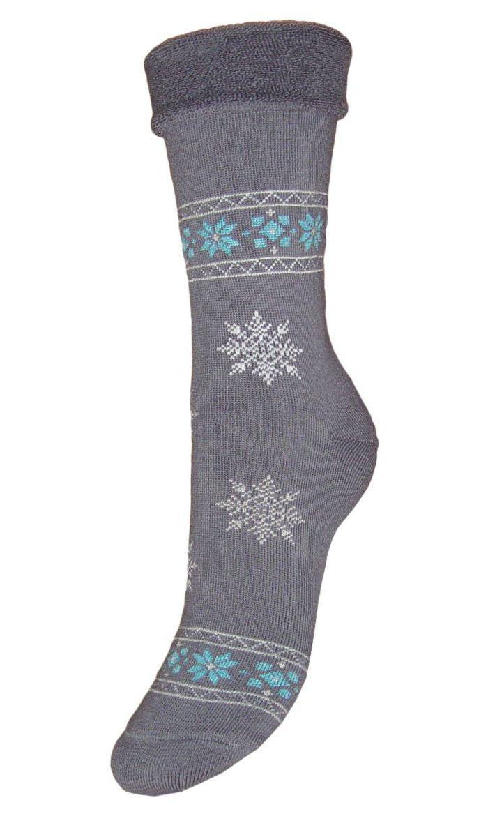 НоскиSC29MМахровые женские носки Гранд изготовлены из высококачественного хлопка с добавлением полиамидных и эластановых волокон, они обладают антибактериальными и теплоизолирующими свойствами, хорошо впитывают влагу, не садятся и не деформируются. Изделие оформлено интересным принтом в виде узоров и снежинок. Мягкая резинка с компрессионным эффектом идеально облегает ногу. Мысок и пятка усилены. В комплект входят две пары носков.