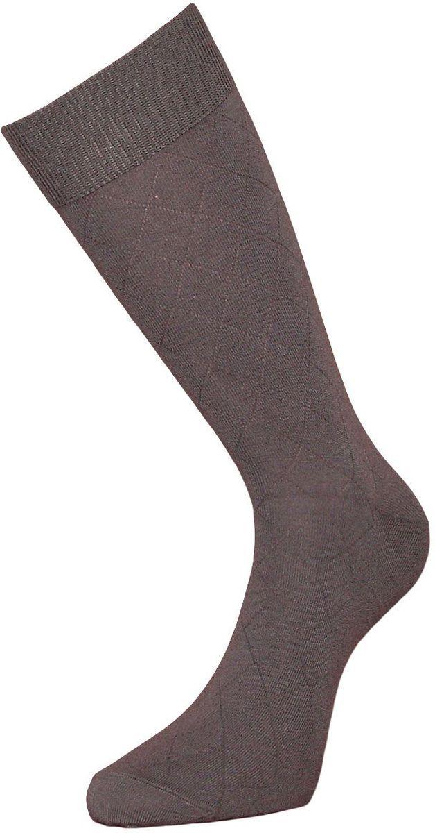 НоскиZC92Мужские носки Гранд изготовлены из высококачественного хлопка с добавлением полиамидных и эластановых волокон, они обладают антибактериальными и теплоизолирующими свойствами, хорошо впитывают влагу, не садятся и не деформируются. Изделие имеет кеттельный (плоский шов) и дополнено рисунком в мелкие ромбы по всему носку. Мягкая анатомическая резинка идеально облегает ногу. Мысок и пятка усилены. В комплект входят две пары носков.
