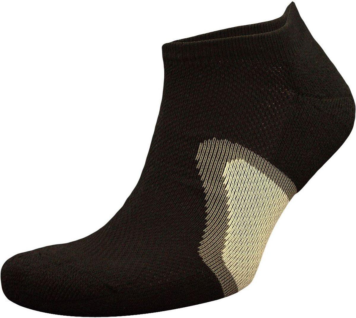 НоскиZC46Мужские носки из высококачественного хлопка для занятий спортом: - сделаны из натурального волокна с уникальной терморегуляцией; - бесшовная технология (кеттельный, плоский шов); - после стирки не меняют цвет; - усиленны пятка и мысок для повышенной износостойкости; - функция отвода влаги позволяет сохранить ноги сухими; - благодаря свойствам эластана, не теряют первоначальный вид; Носки произведены по европейским стандартам на современный вязальных автоматах.