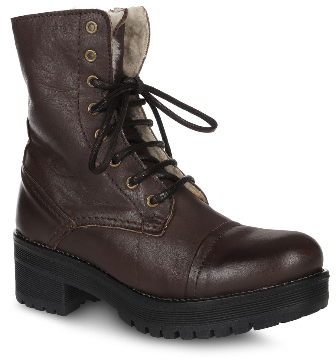 PFT6_2260_BROWNВысокие женские ботинки от El Tempo выполнены из натуральной высококачественной кожи. Модель на классической шнуровке, боковая сторона дополнена застежкой-молнией. Язычок декорирован тиснением в виде логотипа бренда. Подкладка и стелька изготовлены из натуральной шерсти. Резиновая подошва оснащена рифлением.