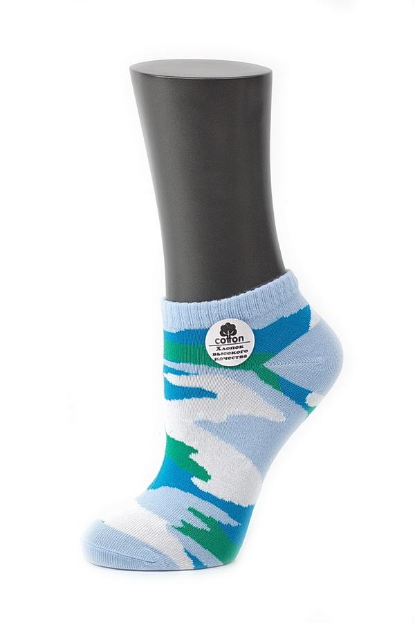 028CDУдобные носки Alla Buone, изготовленные из высококачественного комбинированного материала, очень мягкие и приятные на ощупь, позволяют коже дышать. Эластичная резинка плотно облегает ногу, не сдавливая ее, обеспечивая комфорт и удобство. Модель с укороченным паголенком, оформлена рисунком в стиле милитари. Практичные и комфортные носки великолепно подойдут к любой вашей обуви.
