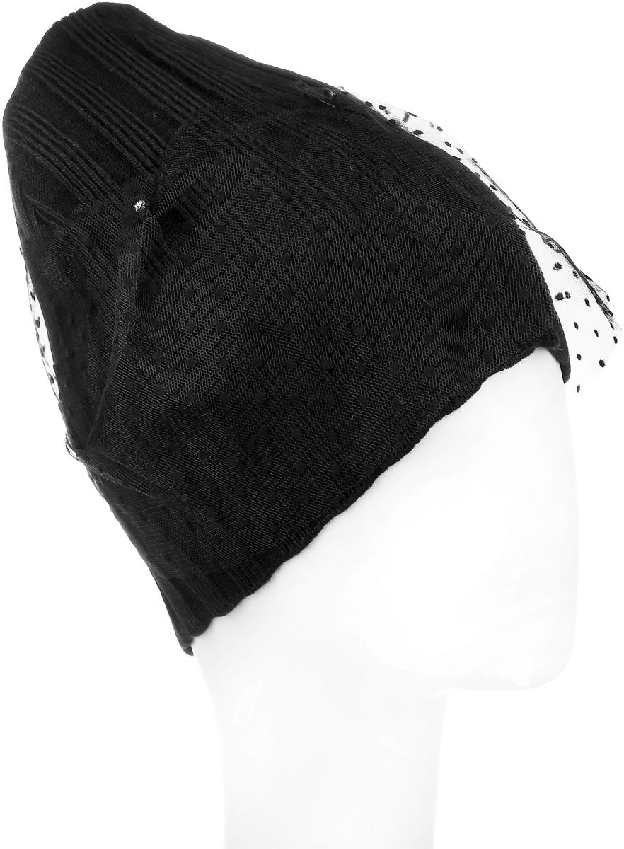 Шапка детскаяСвежесть-22Теплая шапка для девочки Concept выполнена из сочетания высококачественного акрила и теплой шерсти. Шапка выполнена мелкой вязкой и оформлена по всей ширине гипюром в маленький горошек. Сзади модель имеет разрез, который дополнен бантиком с выкладкой из страз. Сбоку шапка дополнена металлической пластиной с логотипом бренда. Уважаемые клиенты! Размер, доступный для заказа, является обхватом головы.