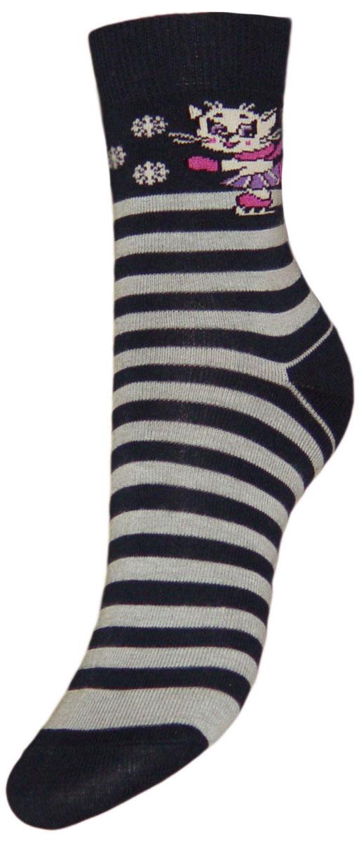 YCL17Детские носки из высококачественного хлопка: - текстурный рисунок по носку полоски, на паголенке кошечка в коньках; - хорошо держат форму и обладают повышенной воздухопроницаемостью; - безупречный внешний вид; - после стирки не меняют цвет; - усиленные пятка и мысок для повышенной износостойкости; - функция отвода влаги позволяет сохранить ноги сухими; - благодаря свойствам эластана, не теряют первоначальный вид; Компания Гранд использует только натуральные волокна для изготовления детских носков по всем требованиям медицинских стандартов, что не наносит вреда детской коже.