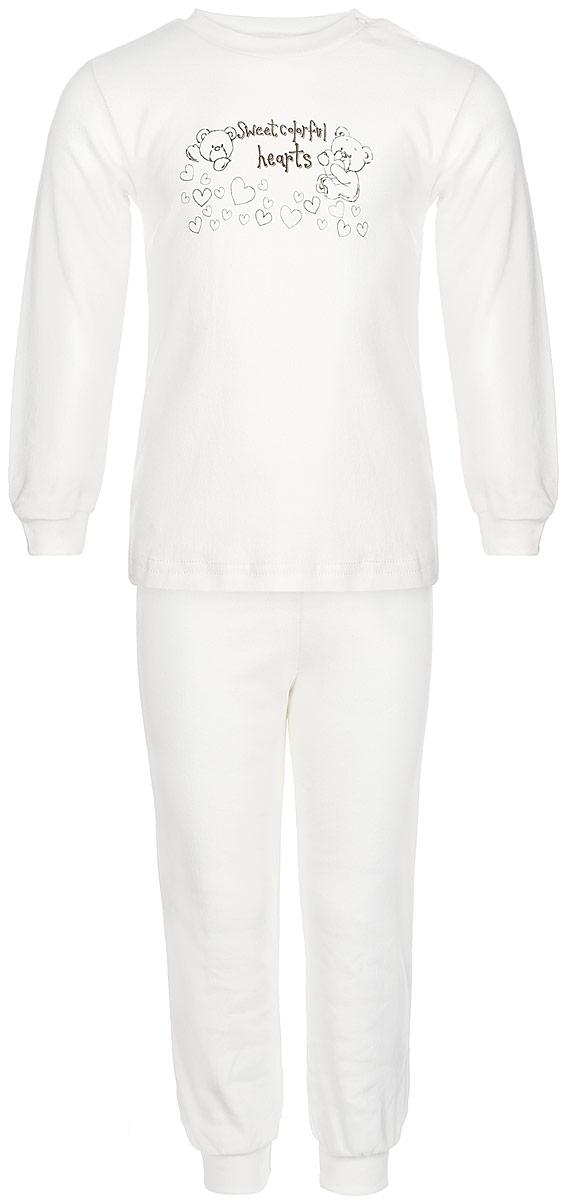 Пижама3287Детская пижама КотМарКот Мишка на экрю, состоящая из футболки с длинным рукавом и брюк, идеально подойдет вашему ребенку и станет отличным дополнением к его гардеробу. Выполненная из натурального хлопка, она необычайно мягкая и легкая, не сковывает движения, позволяет коже дышать и не раздражает даже самую нежную и чувствительную кожу ребенка. Футболка с длинными рукавами и круглым вырезом горловины имеет застежки-кнопки по плечевому шву, что помогает с легкостью переодеть ребенка. Вырез горловины и манжеты на рукавах дополнены трикотажными эластичными резинками. Модель оформлена нежным принтом с изображением медвежат, а также надписью. Брюки прямого кроя на талии имеют эластичную резинку, благодаря чему они не сдавливают животик ребенка и не сползают. Низ брючин дополнен широкими трикотажными манжетами. В такой пижаме ваш ребенок будет чувствовать себя комфортно и уютно во время сна.