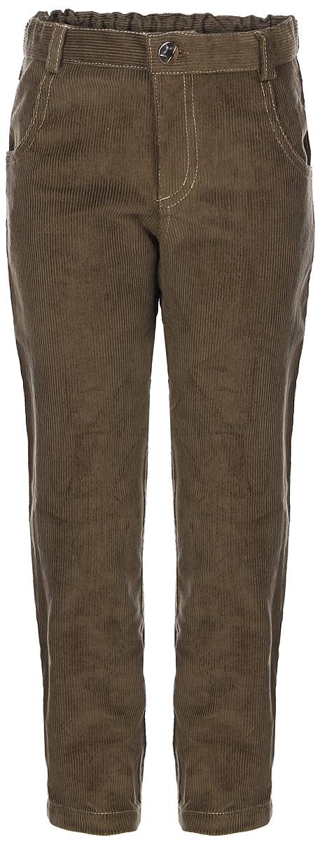 БрюкиBaby Nice_светло-коричневыйДетские брюки Baby Nice изготовлены из вельвета (100% хлопок). Модель застегивается на пуговицу и имеет ширинку с застежкой-молнией. Регулировка в поясе на эластичной тесьме с пуговицами обеспечит идеальную посадку по фигуре. Спереди расположены два втачных кармана, сзади - два накладных. Износостойкие и очень комфортные брюки подойдут и для школы, и для повседневной носки.