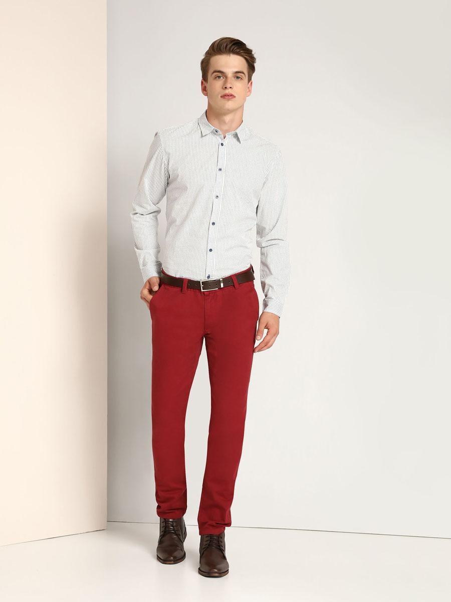 РубашкаSKL2118BIМужская рубашка Top Secret выполнена из натурального хлопка. Модель классического кроя с длинными рукавами и отложным воротником застегивается на пуговицы по всей длине. Манжеты рукавов оснащены застежками-пуговицами. Рубашка оформлена оригинальным принтом.