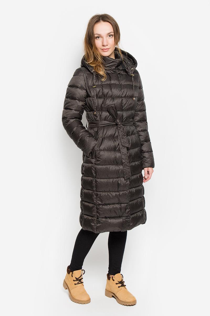 ПальтоAL-2967Женское пальто Grishko с длинными рукавами, воротником-стойкой и съемным капюшоном на застежке-молнии выполнено из полиамида. Наполнитель - синтепон. Капюшон дополнен втачным шнурком-кулиской со стопперами. Пальто застегивается на застежку-молнию спереди, оснащено ветрозащитным клапаном на кнопках. Изделие дополнено двумя втачными карманами на застежках-молниях спереди. Пальто оснащено узким поясом. Модель украшена принтом с оригинальным орнаментом. Теплоизоляция до -15°С.
