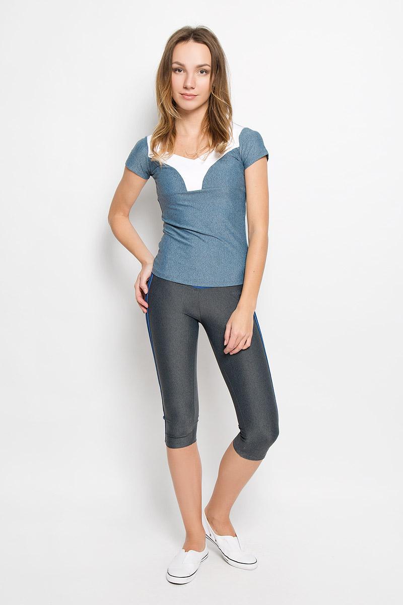 КаприAL-2903Спортивные капри выполнены из шелковистого, приятного на ощупь полиамида с лайкрой в оптимальном для спортивных нагрузок сочетании. Материал не сковывает движений и подчеркивает спортивное телосложение за счет визуально корректирующих фигуру линий и кантов. Линия эргономичной одежды создана для всех видов активных физических нагрузок и выполнена в ультрамодных цветовых сочетаниях.