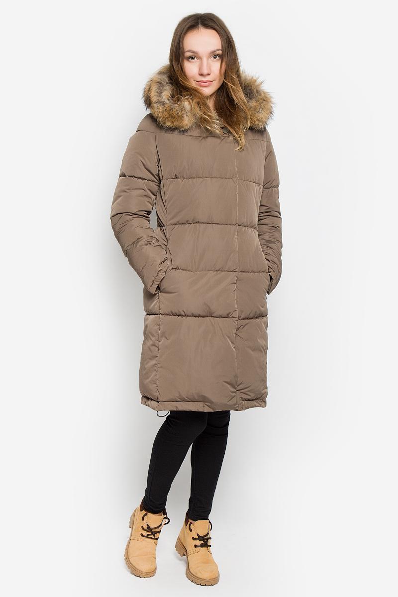 ПальтоAL-2966/1Стильное женское пальто Grishko изготовлено из высококачественного материала. В качестве утеплителя используется полиэфирное волокно - искусственный пух. Пальто с несъемным капюшоном, оформленным съемным натуральным мехом енота, застегивается на пластиковую молнию и дополнительно на ветрозащитный клапан с кнопками. Спереди расположены два прорезных кармана на застежках-молниях. Нижняя часть модели регулируется с помощью эластичного шнурка.