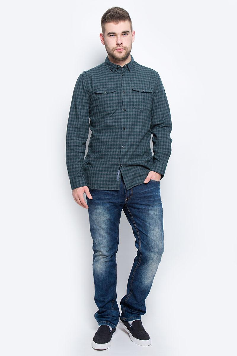 Рубашка16053328_Green GablesМужская рубашка Selected Homme выполнена из натурального хлопка. Рубашка с длинными рукавами и отложным воротником застегивается на пуговицы спереди. Манжеты рукавов также застегиваются на пуговицы. Рубашка оформлена принтом в клетку. На груди расположены два накладных кармана с клапанами на пуговицах.