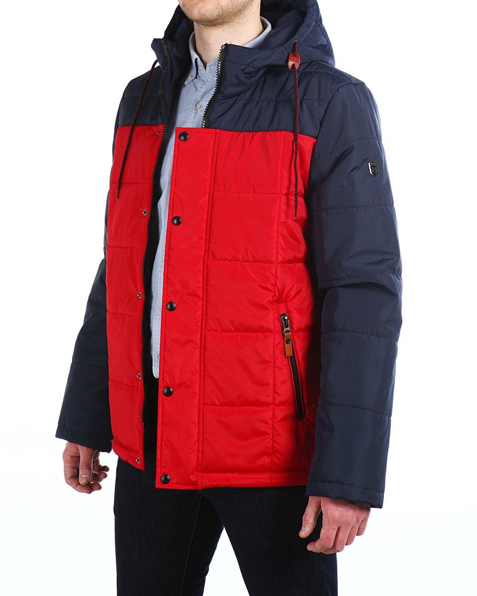 Куртка16603_Navy/Red FireМужская куртка Xaska изготовлена из высококачественного полиэстера. В качестве утеплителя используется полиэстер. Куртка с несъемным капюшоном застегивается на застежку-молнию, а также дополнительно имеет ветрозащитную планку на кнопках. Капюшон оснащен текстильным шнурком со стопперами. Рукава дополнены внутренними эластичными манжетами. Объем по низу регулируется с помощью эластичного шнурка со стопперами. Спереди имеются два прорезных кармана на застежках-молниях, на внутренней стороне также имеются два прорезных кармана на молниях. На левом рукаве расположена небольшая металлическая пластина с названием бренда.