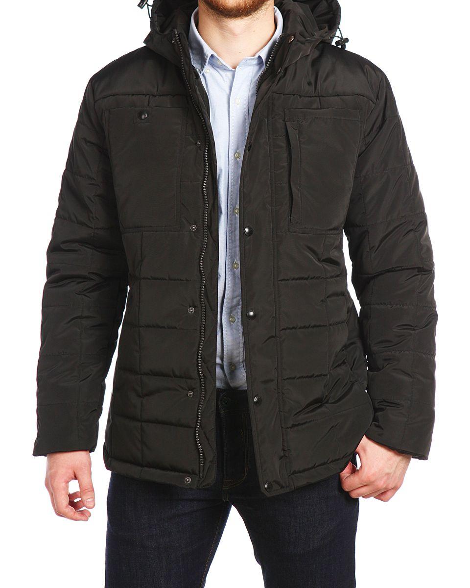 16506_BlackМужская куртка Xaska выполнена из 100% полиэстера. В качестве подкладки также используется полиэстер, а в качестве утеплителя - термофинн. Термофинн разработан специально для российских условий, содержит сертифицированные безопасные компоненты и гипоаллерген. Такой материал долговечен и надежен, выдерживает большое количество стирок и отлично сохраняет форму, а также быстро высыхает после намокания. Модель с несъемным капюшоном застегивается на застежку-молнию с двумя бегунками и имеет ветрозащитную планку на кнопках. Край капюшона дополнен эластичным шнурком-кулиской со стоплерами. Низ рукавов дополнен внутренними эластичными манжетами. Спереди расположено два втачных кармана на кнопках и два накладных кармана, один из которых открытый, а второй на кнопке и небольшой боковой карман на застежке-молнии. С внутренней стороны расположено два прорезных кармана на застежках-молниях. Куртка оформлена фирменной, металлической нашивкой.