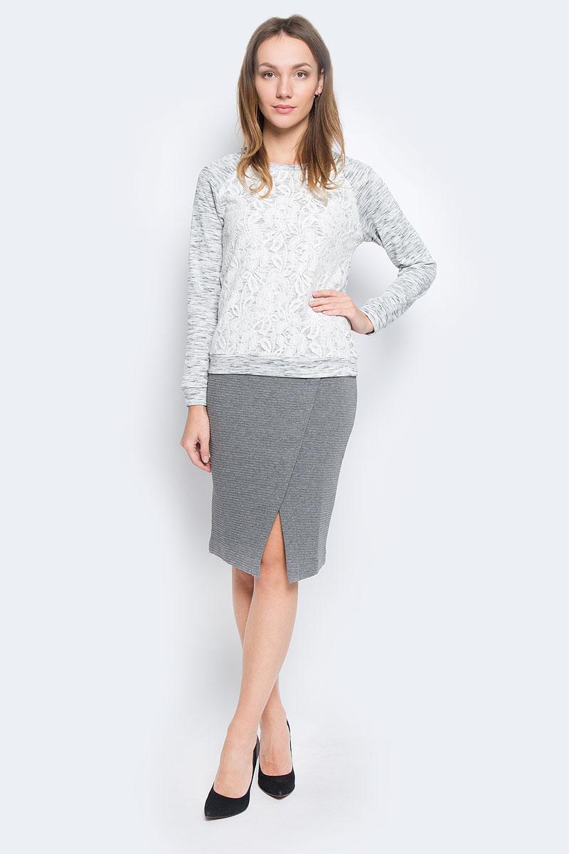 СвитшотSt-113/085-6485Стильный женский свитшот Sela Collection изготовлен из полиэстера и хлопка. Модель с круглым вырезом горловины и длинными рукавами-реглан спереди оформлена кружевной вставкой.