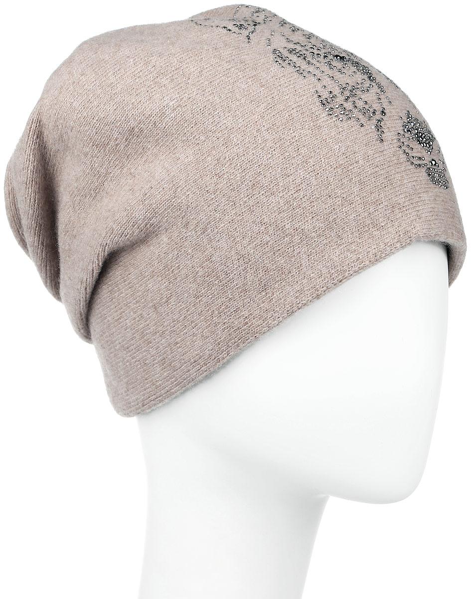 ШапкаW16-11141_602Все, что нужно не только для того, чтобы согреться, но и для дополнения модного образа - это замечательная шапка Finn Flare. Модель спереди украшена стразами и небольшим элементом в виде металлической пластины с названием бренда. Сзади шапка оформлена декоративными складками. Такая шапка составит идеальный комплект с модной верхней одеждой, в ней вам будет уютно и тепло!