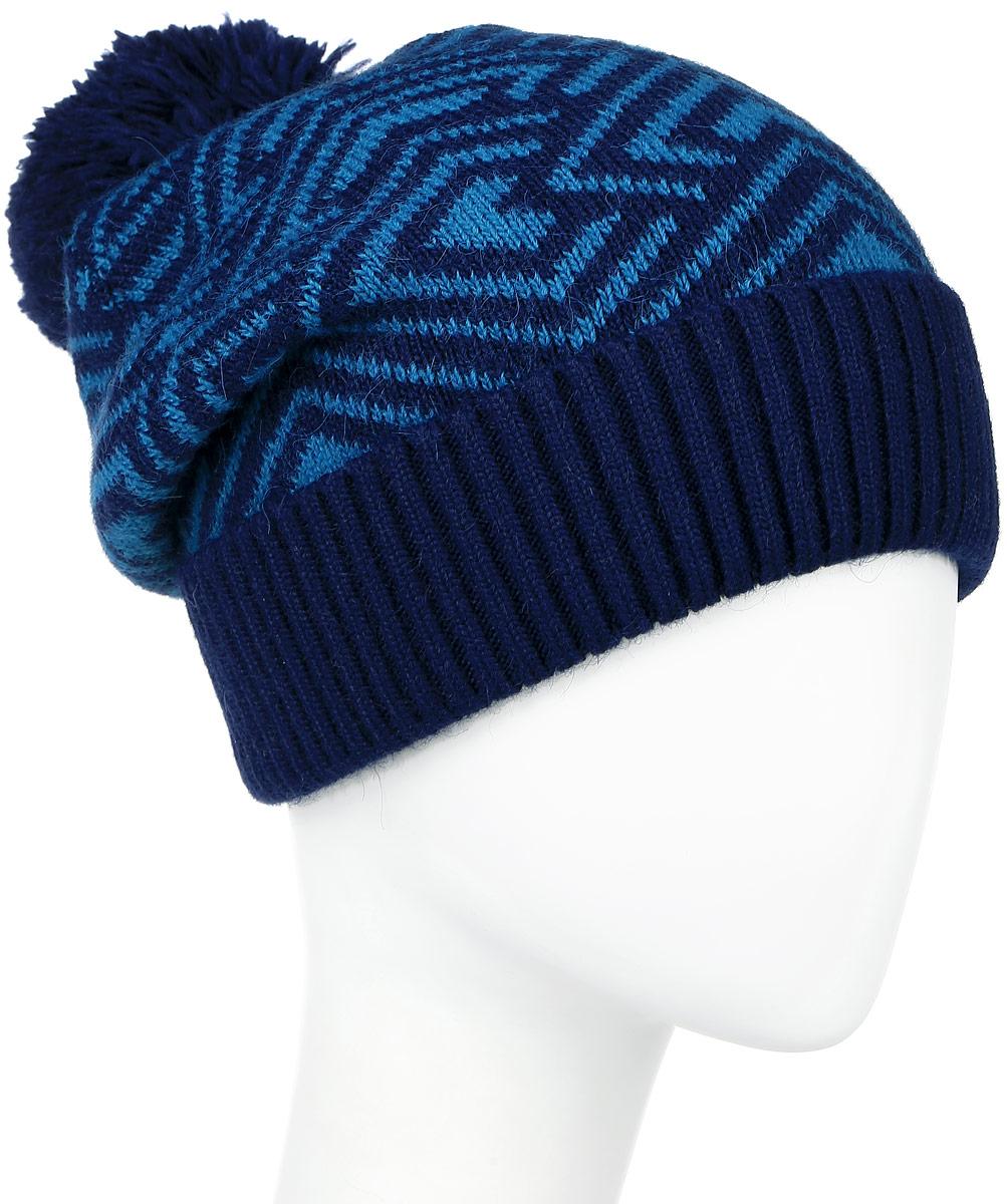 ШапкаW16-32120_803Стильная женская шапка Finn Flare дополнит ваш наряд и не позволит вам замерзнуть в холодное время года. Шапка выполнена из высококачественной пряжи, что позволяет ей великолепно сохранять тепло и обеспечивает высокую эластичность и удобство посадки. Модель оформлена брендовой металлической пластиной и дополнена пушистым помпоном. Уважаемые клиенты! Размер, доступный для заказа, является обхватом головы.