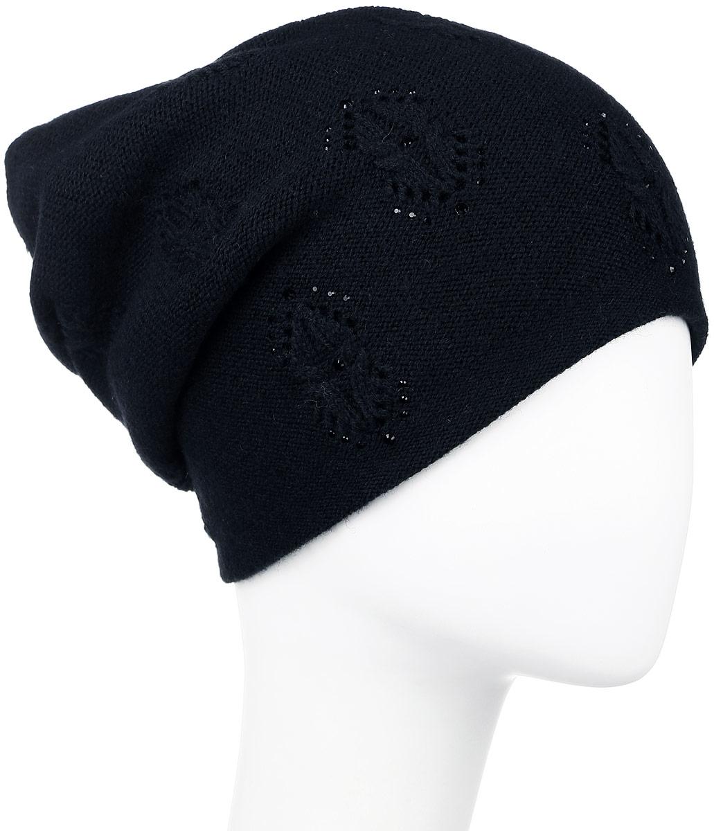 W16-11124_201Стильная женская шапка Finn Flare дополнит ваш наряд и не позволит вам замерзнуть в холодное время года. Шапка выполнена из высококачественной пряжи, что позволяет ей великолепно сохранять тепло и обеспечивает высокую эластичность и удобство посадки. Спереди удлиненная модель оформлена металлической пластиной с названием бренда и стразами. Такая шапка станет модным и стильным дополнением вашего гардероба. Она согреет вас и позволит подчеркнуть свою индивидуальность!
