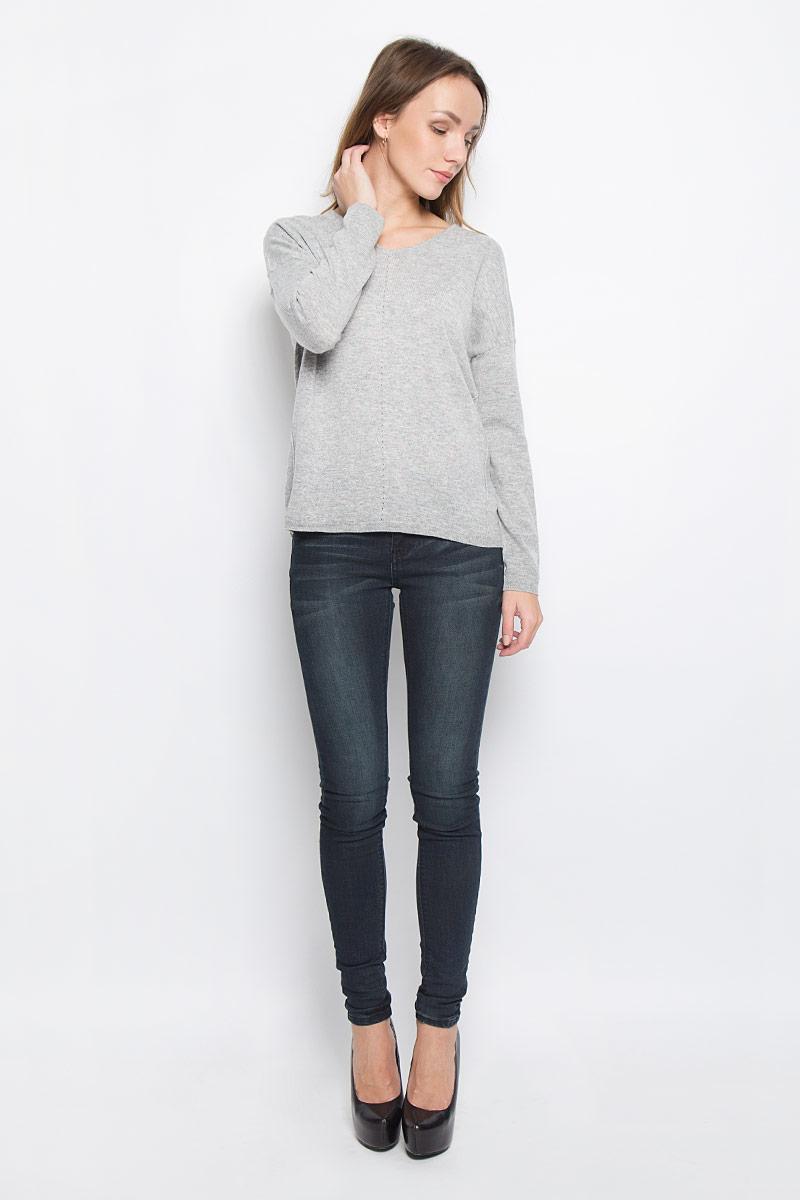 Пуловер10156854_708Стильный женский пуловер, выполненный из полиакрила и нейлона с добавлением шерсти, отлично подойдет для прохладной погоды. Модель с V-образным вырезом горловины и длинными рукавами оформлена декоративными швами. Низ изделия и манжеты рукавов связаны резинкой.