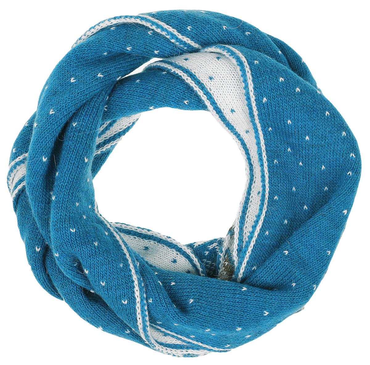 W16-12124_914Теплый женский шарф Finn Flare станет достойным завершением вашего образа. Шарф изготовлен из сочетания высококачественных материалов. Модель оформлена контрастным принтом с узорами.