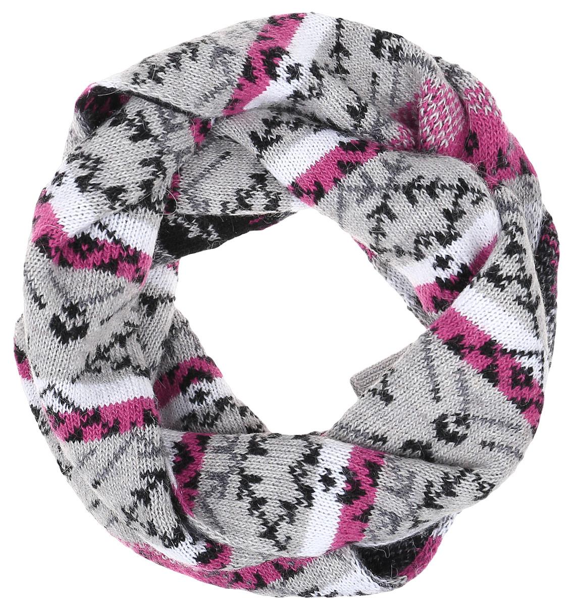 ШарфW16-12122_201Теплый женский шарф Finn Flare станет достойным завершением вашего образа. Шарф изготовлен из сочетания высококачественных материалов. Модель оформлена контрастным принтом с узорами.