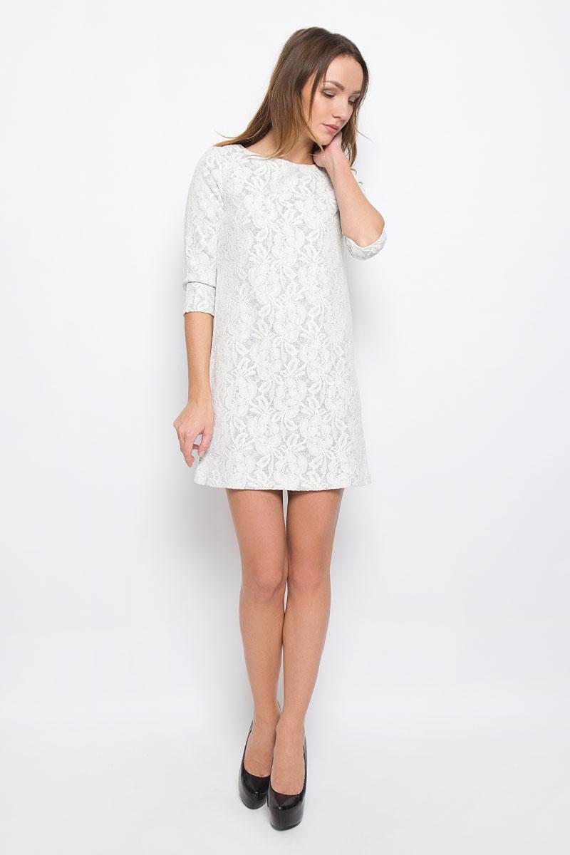 DK-117/1093-6485Стильное платье Sela Collection выполненное из полиэстера и хлопка отлично дополнит ваш гардероб. Модель с круглым вырезом горловины и рукавами 3/4 оформлено оригинальной цветочной вышивкой по особым технологиям.